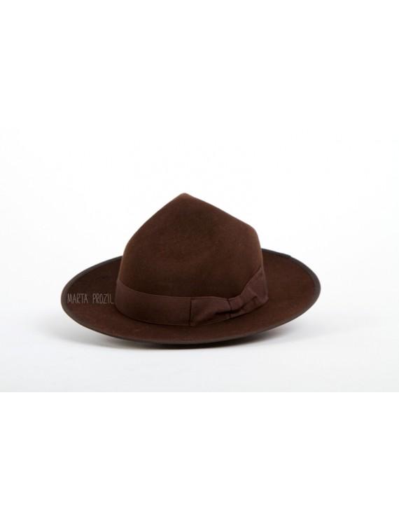 "Hat ""three dents"" - brown"
