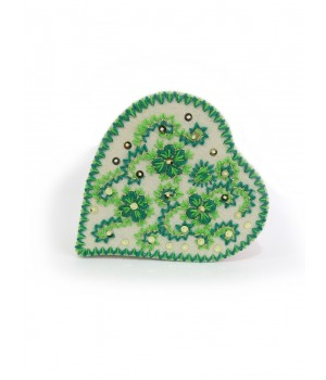 Heart box embroidered in wool with sequins - green
