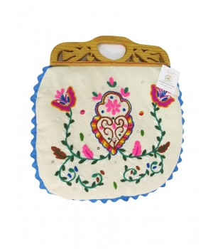 Linen handbag with wooden wings