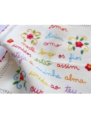 Fiancé handkerchief from Minho - the threads are joined