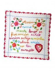 Small valentine handkerchief - threads are joined together