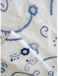Round embroidered tablecloth in two shades of blue - 2M