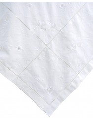 2,85 M Linen tablecloth embroidered in white