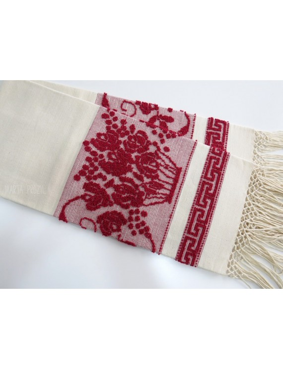 Linen towel with pulled thread work - red bouquet