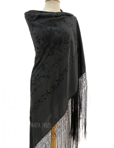 Silk shawl hand embroidered with long fringe