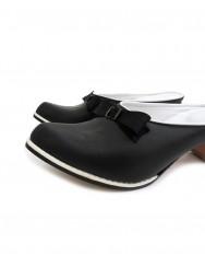 Buckled slipper