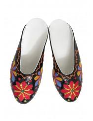 Women's varnish slippers