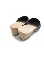 Viana wooden clogs