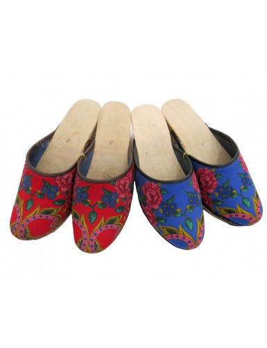 Viana wooden clogs