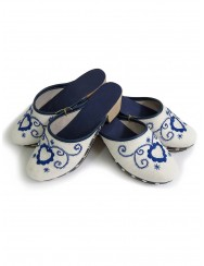Embroidered wooden clogs in blue