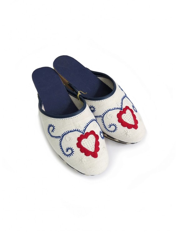 Embroidered wooden clogs in blue and red