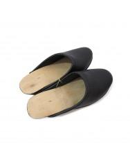 Kids black wooden clogs