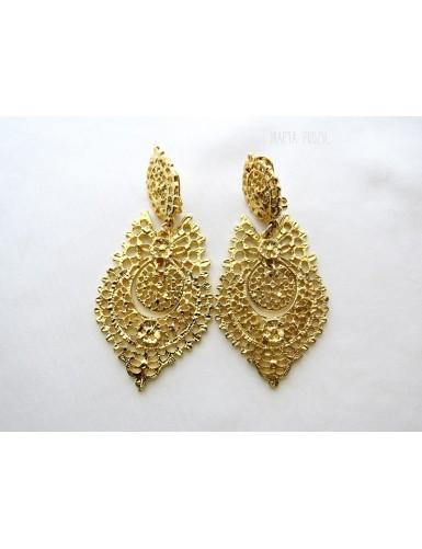 Queen like earrings - spring fastening