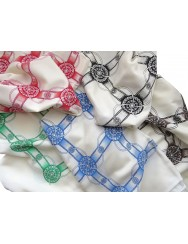 Scarf with wheel pattern