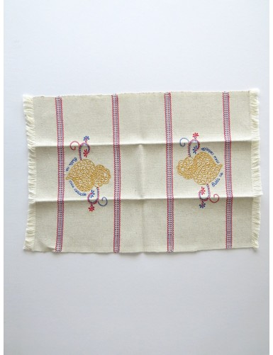 Linen placemat with 2 hearts