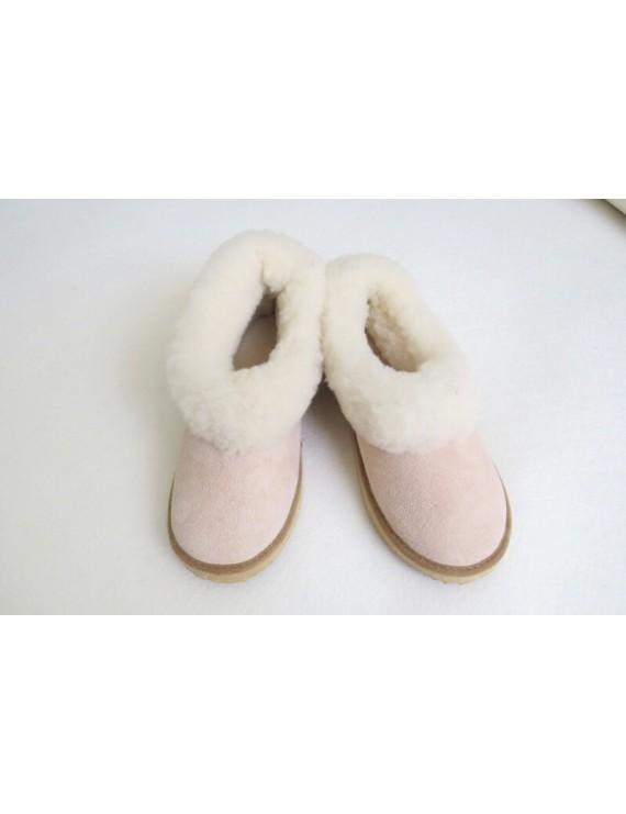 Slippers in sheepskin leather