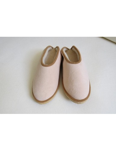 Slippers in sheepskin leather