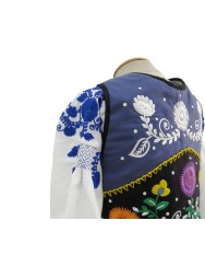 Blue or sorrow costume of lavradeira with 4-roses apron