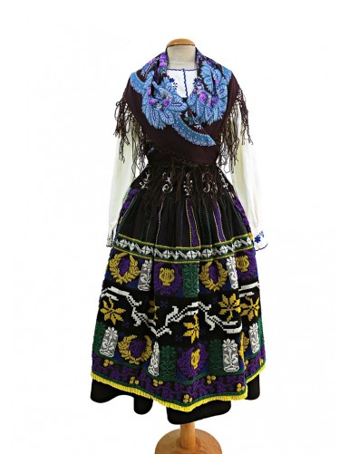 Blue lavradeira costume with lyre apron