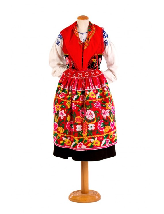 Red lavradeira costume
