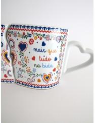 "Set of 2 mugs with ""sweetheart handkerchiefs"" design"